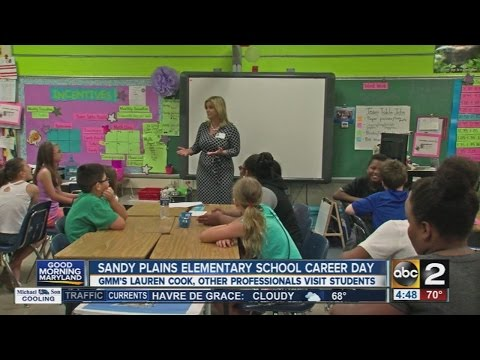 Reporter Lauren Cook visits Sandy Plains Elementary School on Career Day