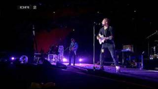 [HQ] Coldplay - Strawberry Swing (Live Roskilde Festival 2009)