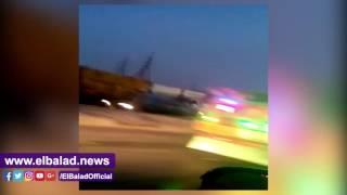 سائقو النقل الثقيل يغلقون الاوتوستراد باتجاه الطريق الدائري..فيديو وصور