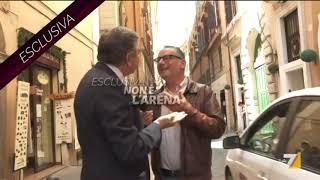Video Shock, l'ex Ministro Mario Landolfi mette KO giornalista di Non è L'Arena