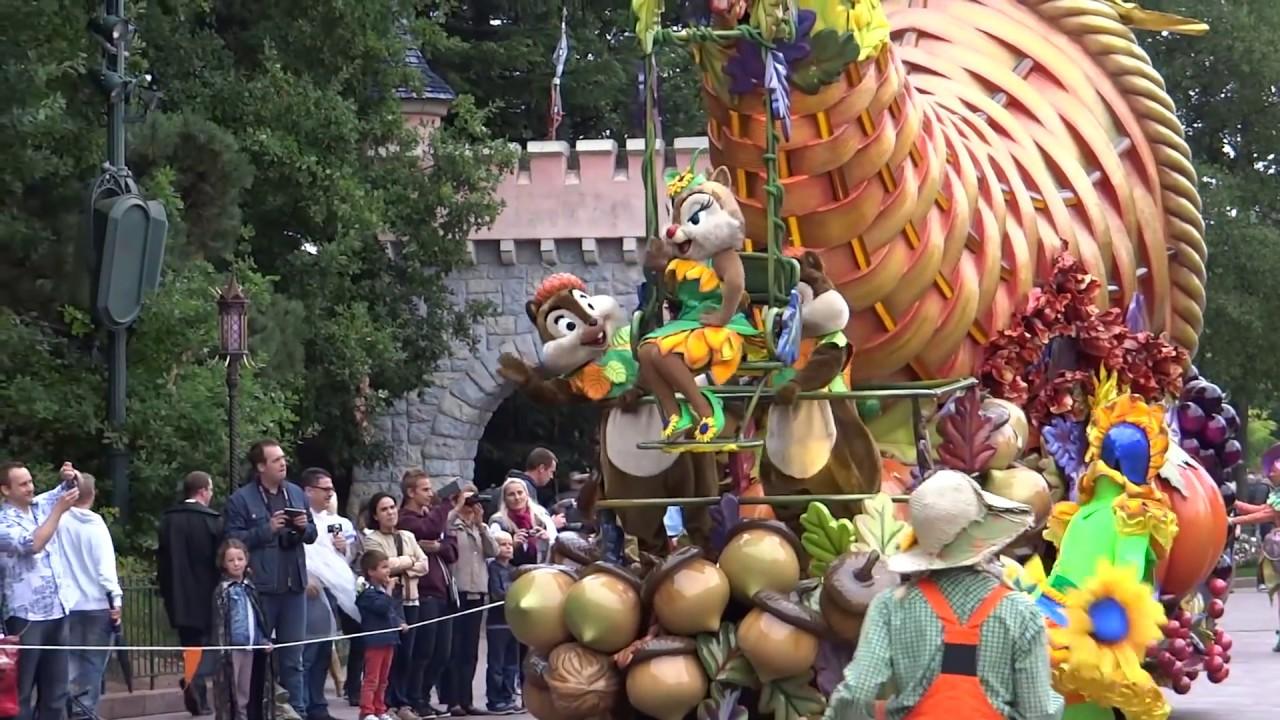mickeys halloween celebration at disneyland paris halloween 2013 youtube - What Is Halloween A Celebration Of