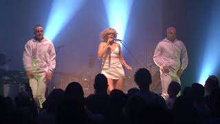 Gambar cover BETTY WHO - LOOK BACK (Live 2018)
