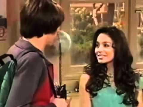 Vanessa Hudgens Blooper On Drake And Josh.