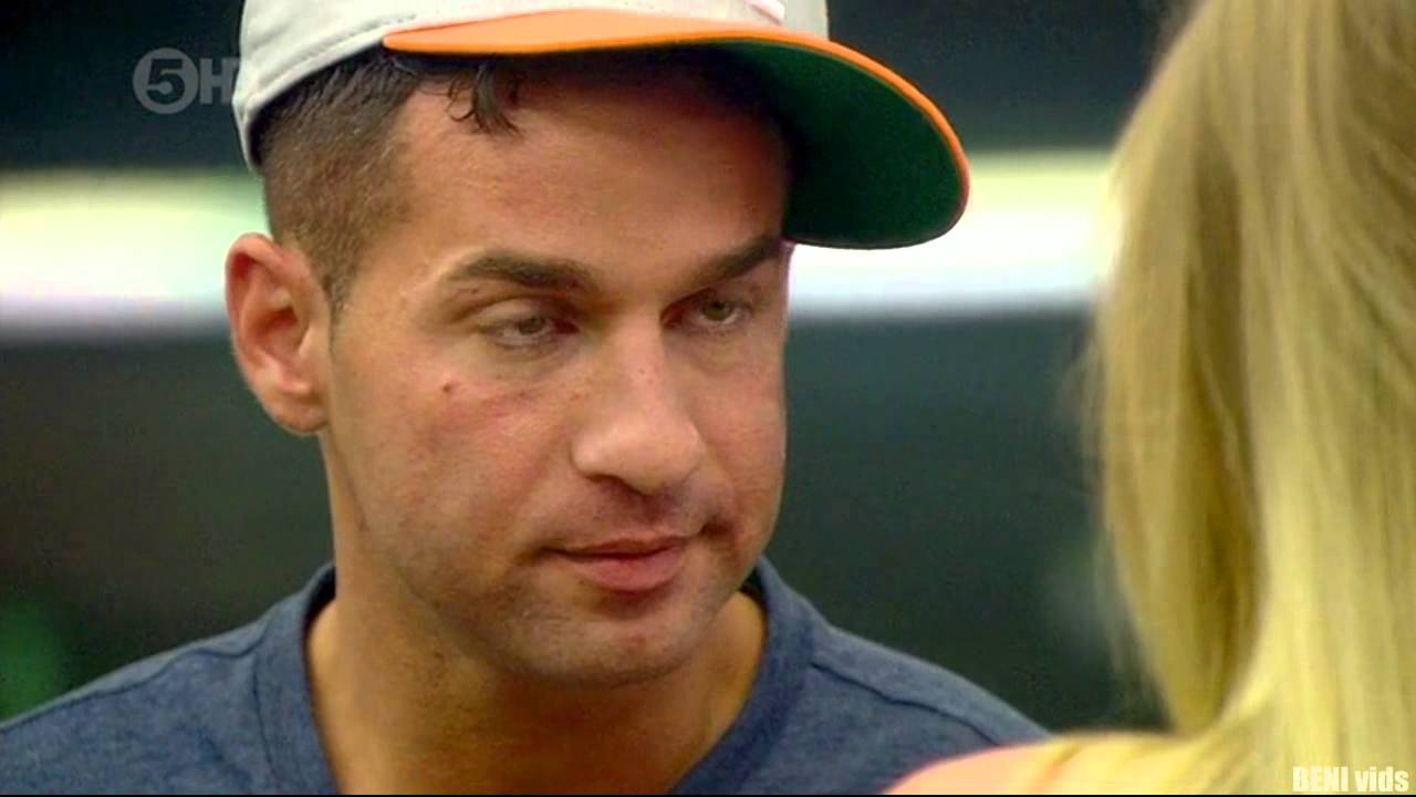 Mike THE SITUATION Makes A GIRL CRY