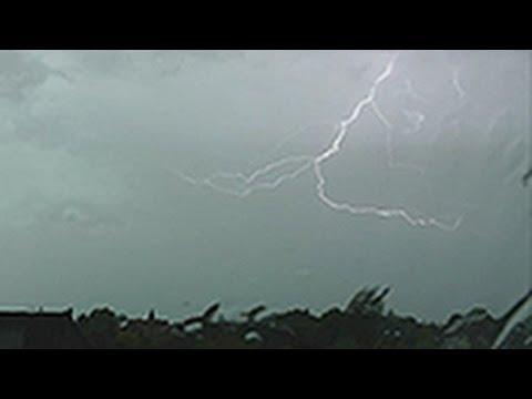 Heftiger Donnerschlag -  Kräftiges Gewitter bei Bremen