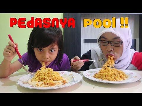 Pedasnya Pool... !! Indomie Ayam Geprek Hypeabis Challenge   Yaya Sampai Keringatan