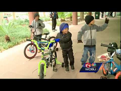 Zulu gives out bikes, Christmas gifts to community