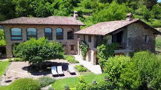 Wonderful country home with vineyards and swimming pool in sought after langhe region of piemontehttps://www.piedmontproperty.com/properties/santo_stefano_be...