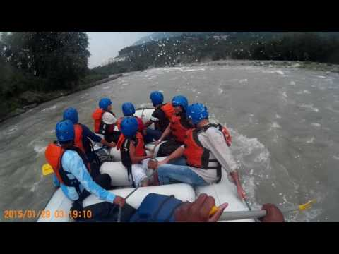 River rafting in the amazing beas at manali