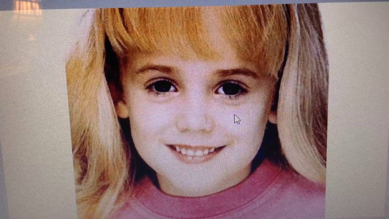 an essay on the murder of jonbenet ramsey Jonbenet's murder is one of the most controversial crimes known jonbenet, an american child beauty pageant queen, was born on august 6, 1990 and was murdered on december 25, 1996.