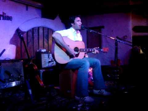 Pete Murray - So beautiful    (live in London)