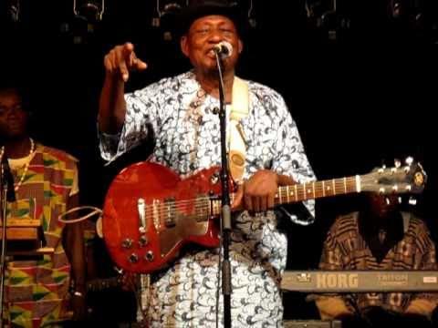 Ebo Taylor & Bonze Konkoma : introducing band members