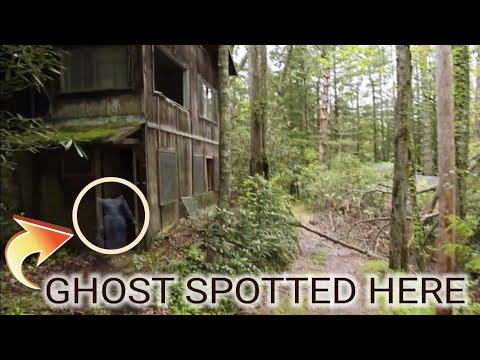 WE FOUND A REAL GHOST TOWN (ABANDONED IN THE WOODS)