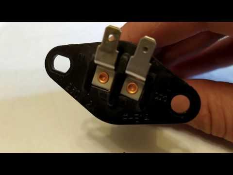 Вопрос: Как заменить лампочку в микроволновке?