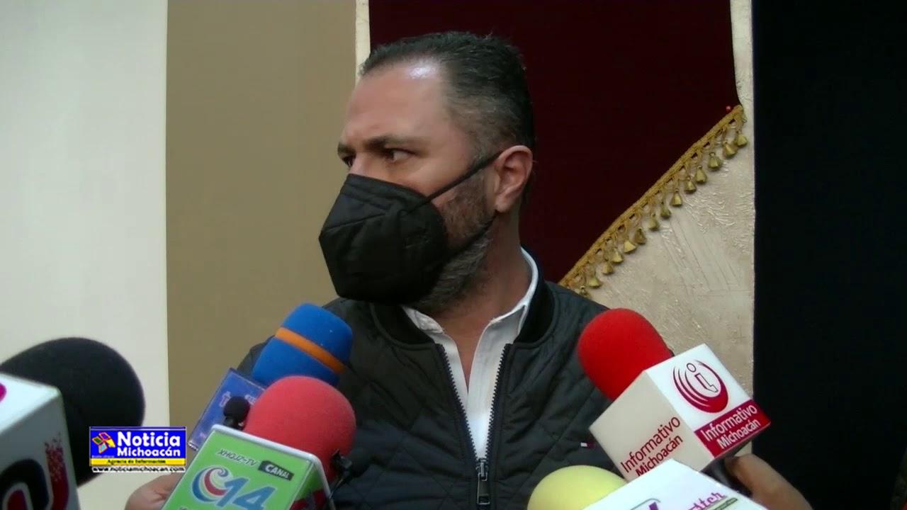 Tras críticas a la admón. Luis Felipe invita a regidores a donar su salario a obras públicas