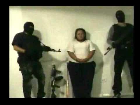 INTERROGAN Y EJECUTAN A MUJER EXTORSIONADORA EN CD JUAREZ