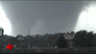 Raw Video: Massive Tornado in Tuscaloosa, Ala. thumbnail