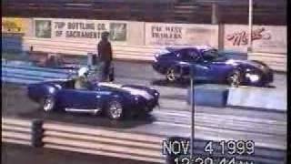 Shelby Cobra vs. Dodge Viper GTS Drag Race