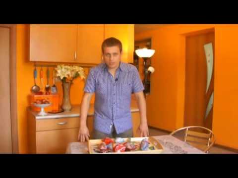Пробую пирожное  и пирожки от палыча.