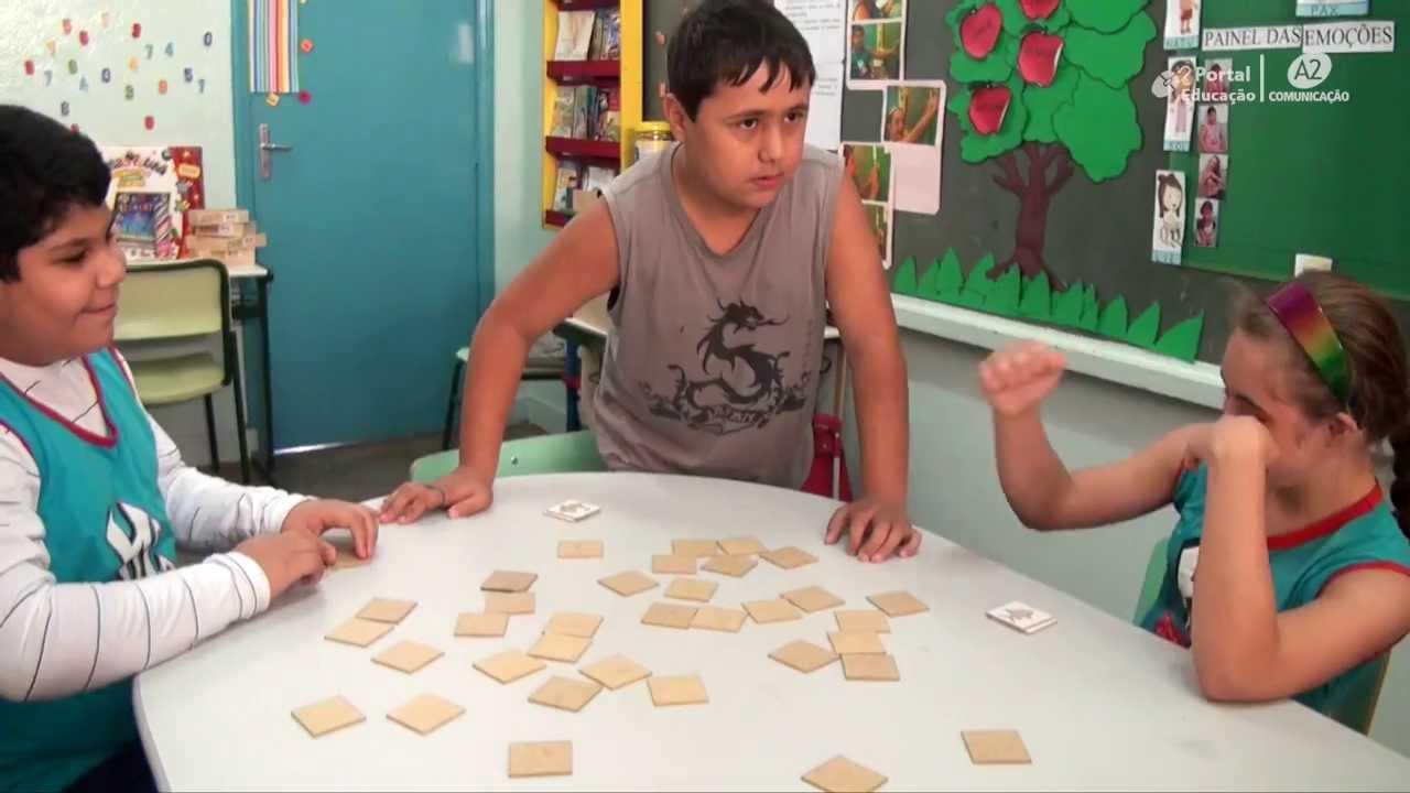 Amado Atividades lúdicas ajudam desenvolvimento de alunos de sala  DF98