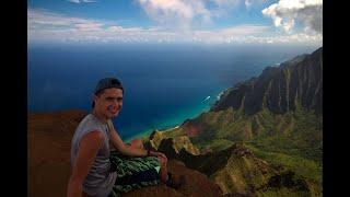 Insane hiking, waterfalls aฑd cliff jumping, Na Pali Coast Kauai