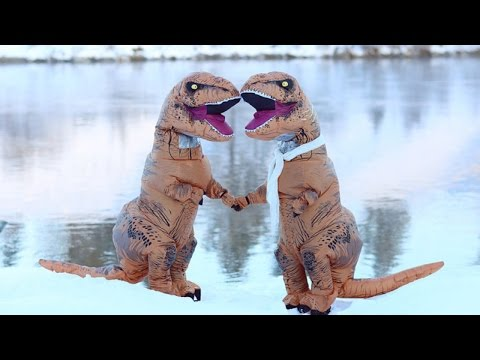 Photographers Take T-Rex Themed Engagement Photos To Prove Love Isn't Extinct