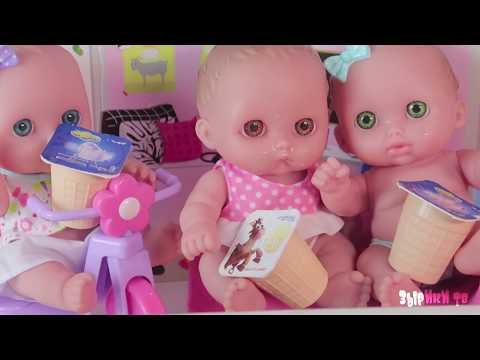 Из чего сделали мороженое? Куклы пупсики играют и едят мороженое из Истории игрушек /Зырики ТВ