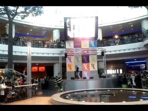 Annalisa senza riserva live centro commerciale for Centro convenienza arredi marcianise marcianise ce
