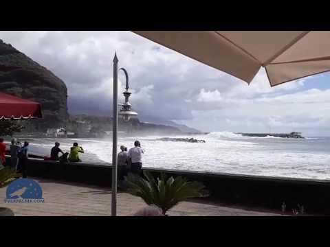 """El fuerte mar """"engulle"""" la playa de Tazacorte"""