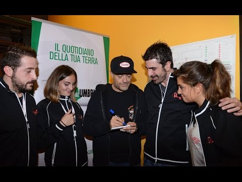 Interviste ai Fans di Max Pezzali a Perugia 13.10.2015