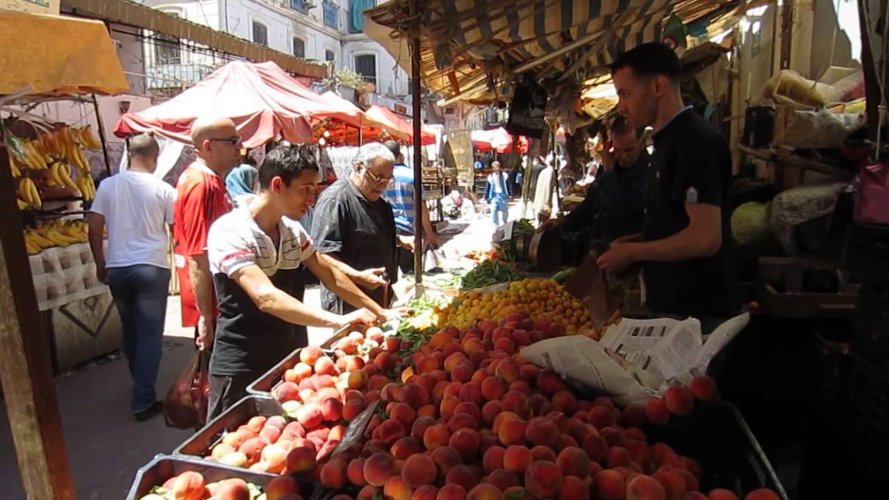 Algeria street scenes in the algiers 39 historic casbah for Algerian cuisine youtube
