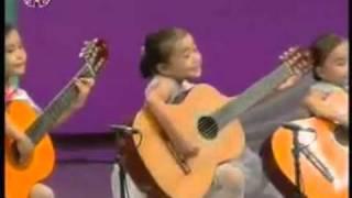 5 em bé Triều Tiên đánh đàn guitar điêu luyện   VnExpress