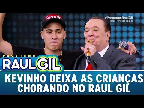 MC Kevinho deixa as crianças chorando no Raul Gil   Programa Raul Gil (15/04/17)