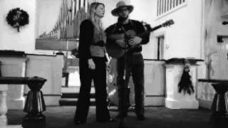 "Sally Connolly and Dan Tressler sing ""Wee Weaver"""