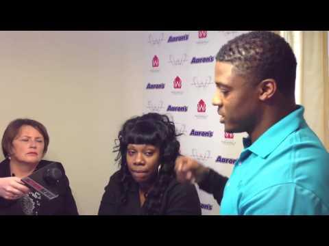 Warrick Dunn helps HabiJax Family