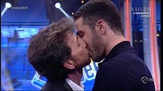 El Hormiguero 3.0 - Pablo Motos besa a Miguel Ángel Silvestre con pasión