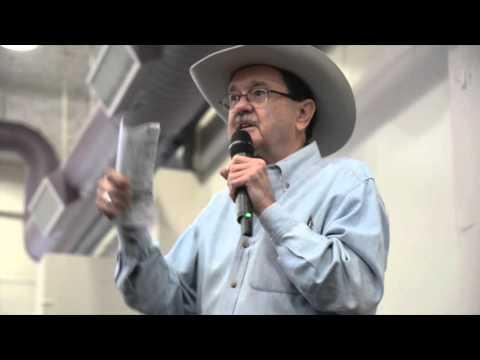 Jim Hightower speaks at Sanders rally in Denton Texas