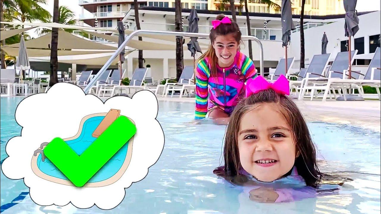 تلعب ميا صورة سحرية ونكات جديدة للأطفال حول الألعاب السحرية من ناستيا وأرتيم