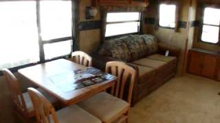 2010 Keystone Hornet 32RLSS Travel Trailer - Huge Living Room!