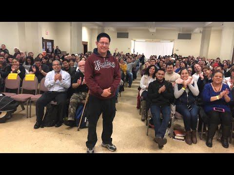 Preguntas al padre Luis Toro en Waltham, MA
