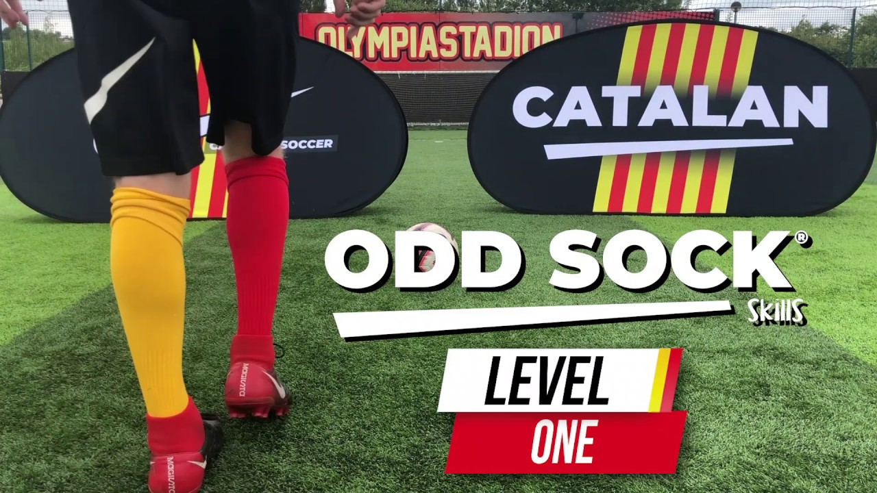 Basic Ball Mastery in 60 SECONDS! | Catalan Soccer