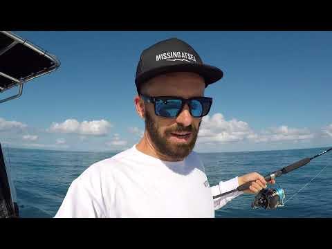 MICRO JIGGING - MASSIVE FISH - MACKAY QLD AUSTRALIA
