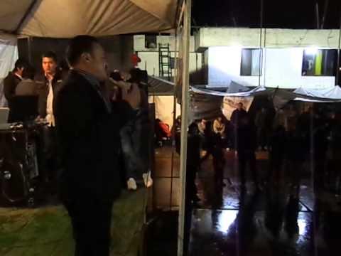 Mano a mano  Edwin Criollo y Gustavo Flores en el Complejo Recreacional Corazón de Mejía.MP4