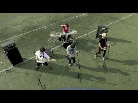 Runny Noize(ラニーノイズ)「e」ミュージックビデオ(Short ver.)※監督 : 品川ヒロシ