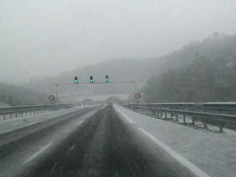 Nevada 10-01-10. Fuerte nevada en A-66  (entrada tunel Media Fanega)