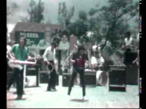 Rhoma Irama feat. Riza Umami - Suara Gendang