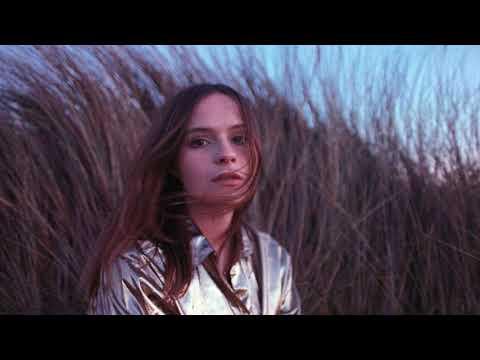Gabrielle Aplin - When The Lights Go Out (Piano Version)