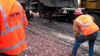 Locomotive traction motor removal
