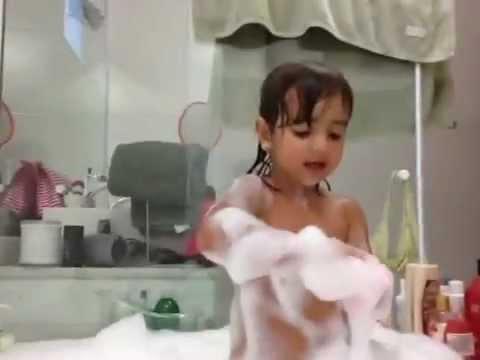 19 aninhos e cantando no banheiro - 5 6