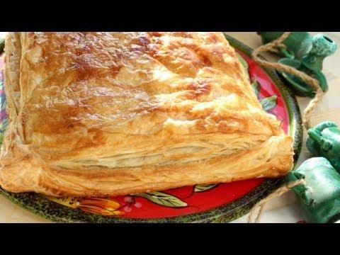 Пирог из слоёного теста с фаршем и картошкой
